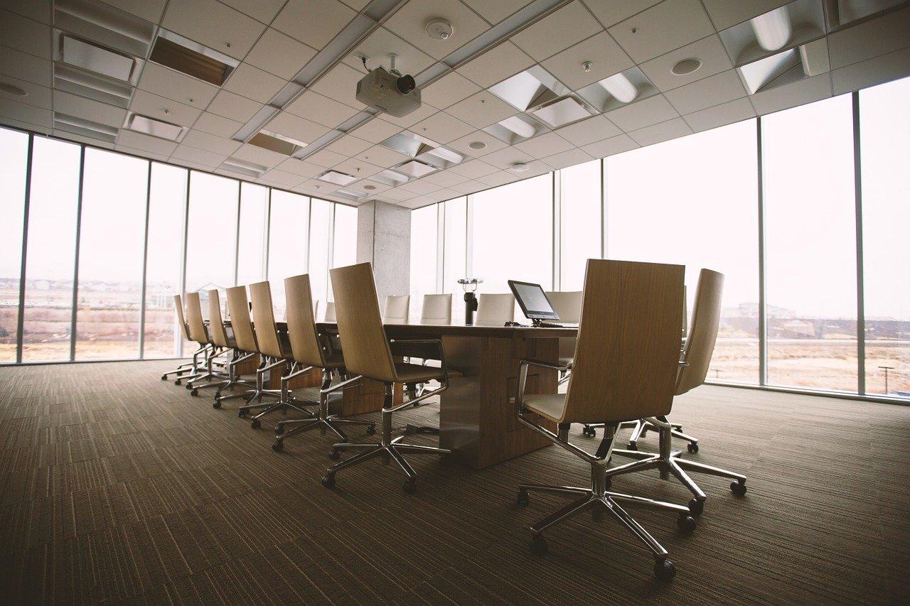 Własny biznes krok po kroku, czyli jak założyć firmę i wejść WB posiadanie własnego biura.