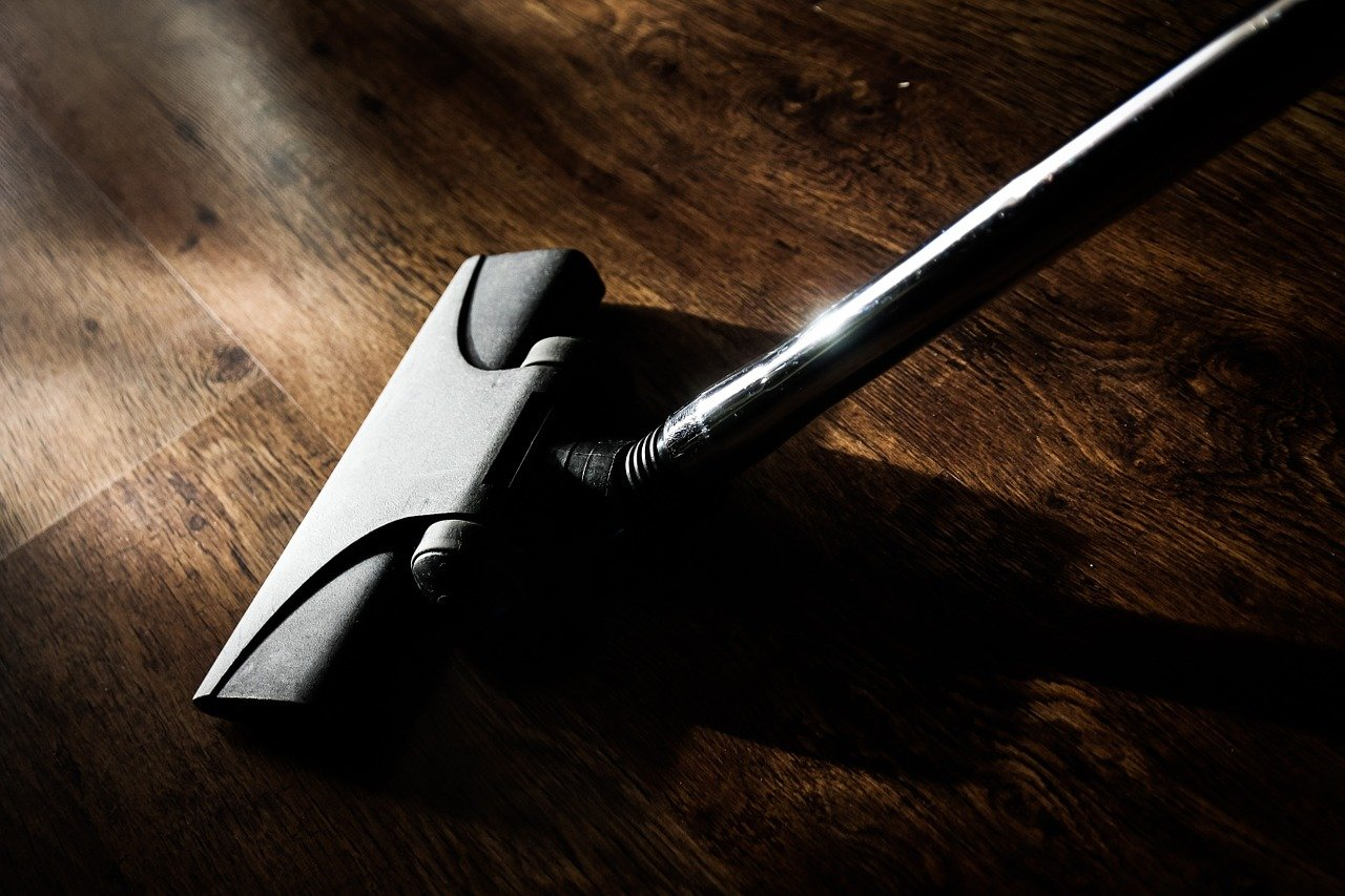 Odkurzacz – podstawowy sprzęt sprzątający