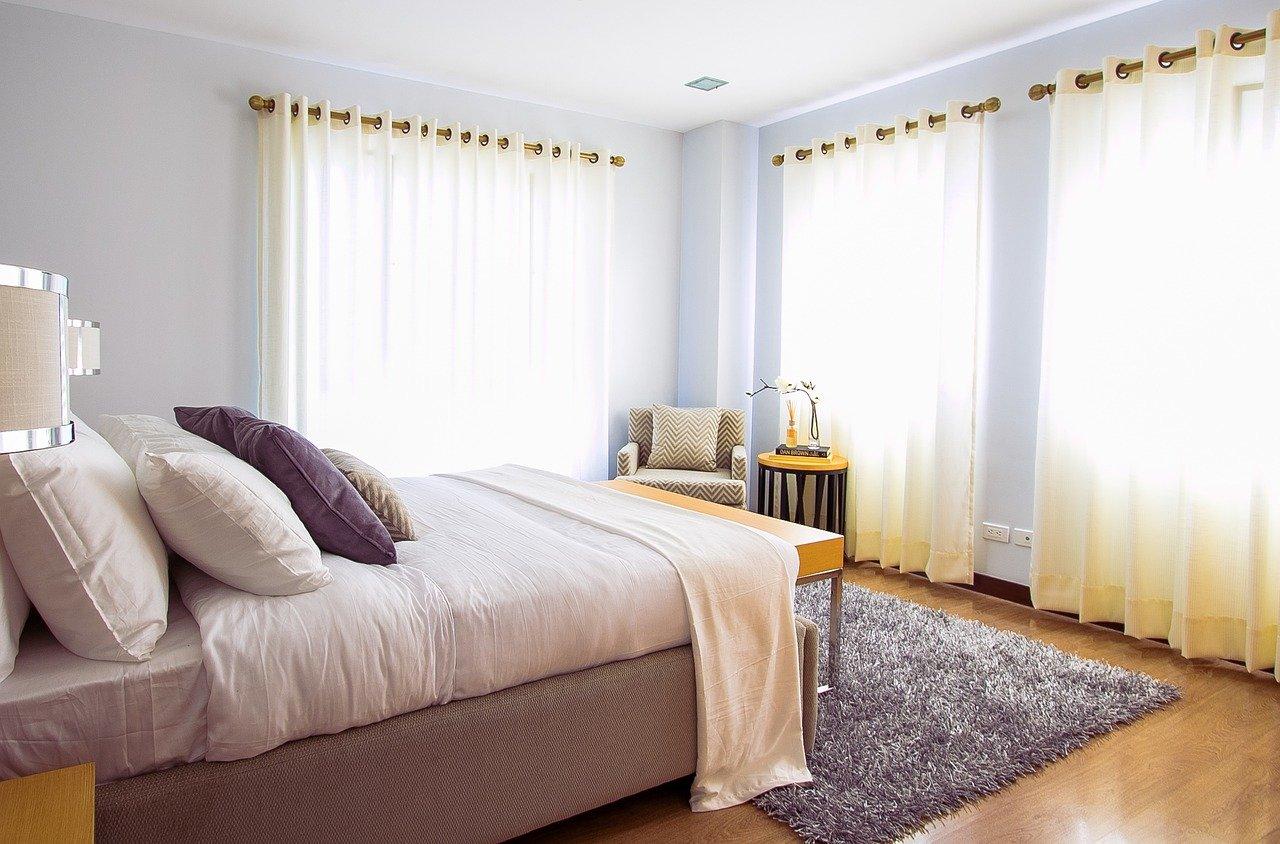 Puszysta wykładzina a może dywan – co warto kupić do domu?